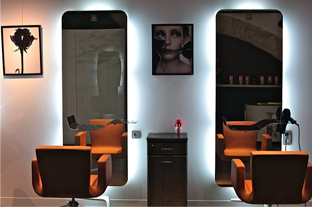 decoration de salon de coiffure pour homme. Black Bedroom Furniture Sets. Home Design Ideas
