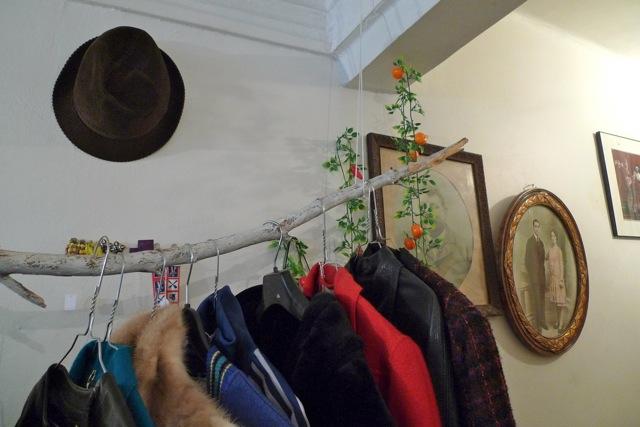 boutique marseille makadam bazar vintage love spots. Black Bedroom Furniture Sets. Home Design Ideas