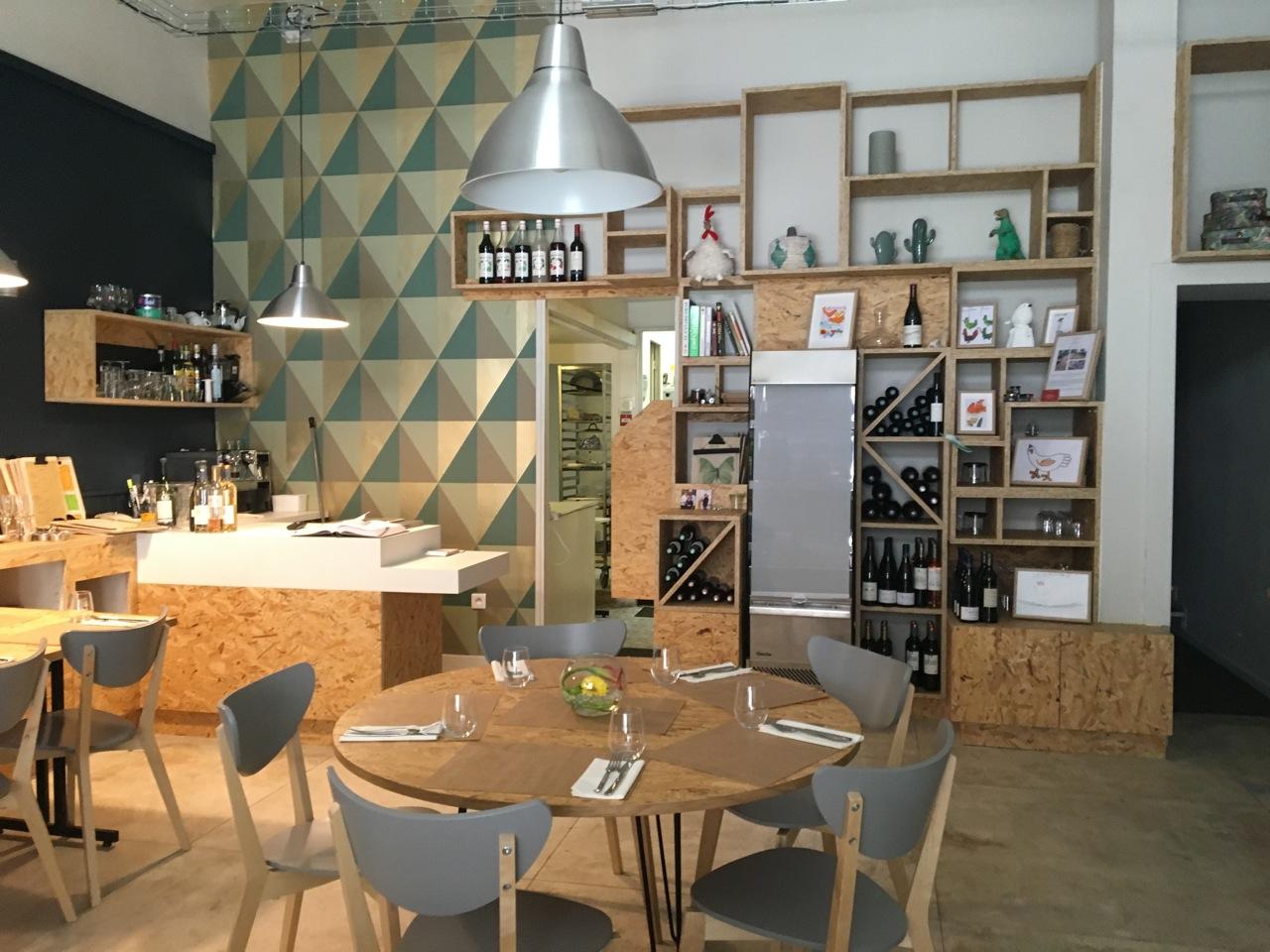 restaurant marseille chez papa poule love spots. Black Bedroom Furniture Sets. Home Design Ideas