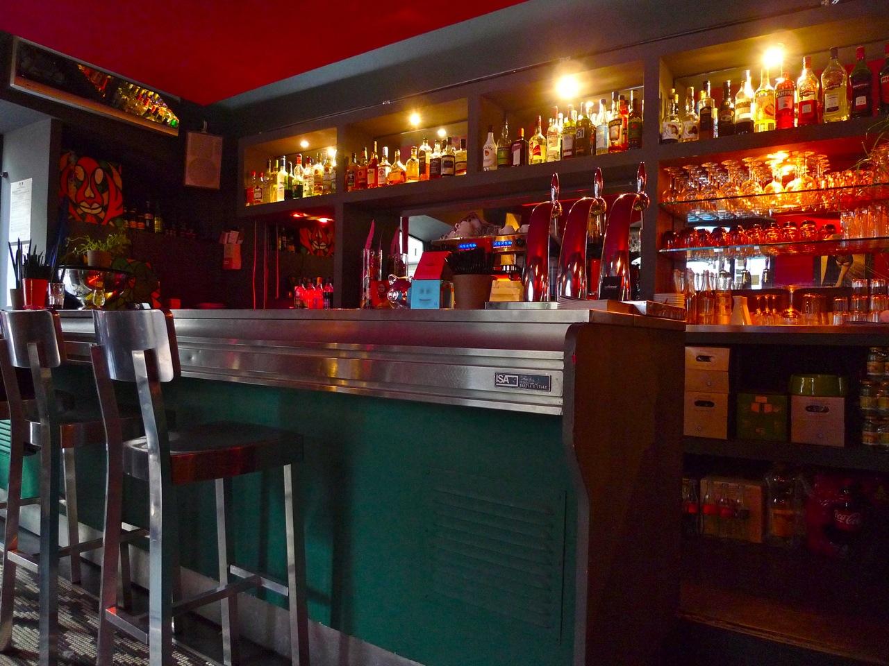 bar marseille rencontre