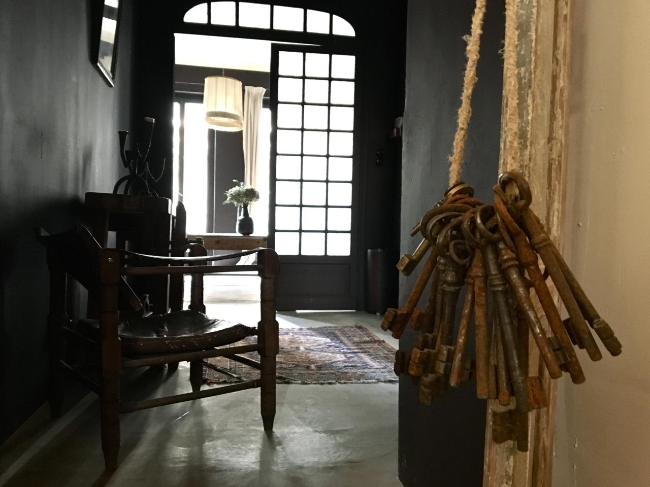 chambre d 39 h te marseille maison empereur love spots. Black Bedroom Furniture Sets. Home Design Ideas