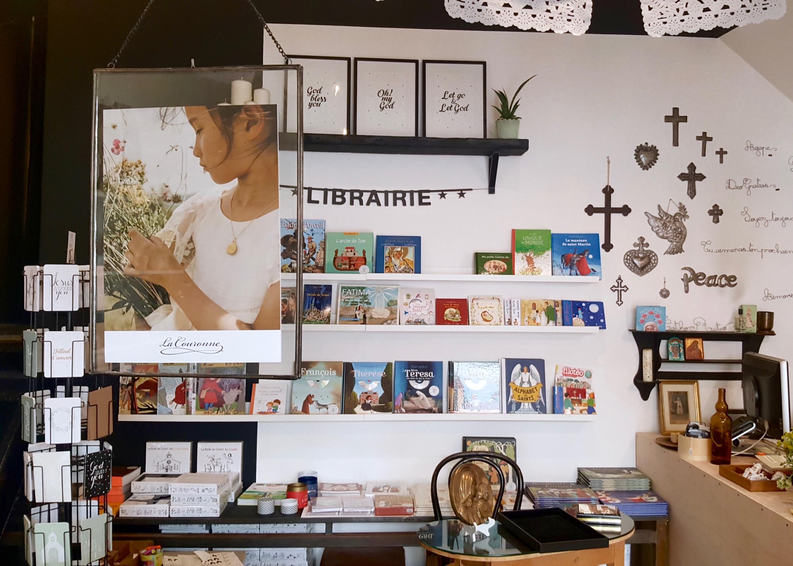 concept store religieux marseille catho r tro love spots. Black Bedroom Furniture Sets. Home Design Ideas