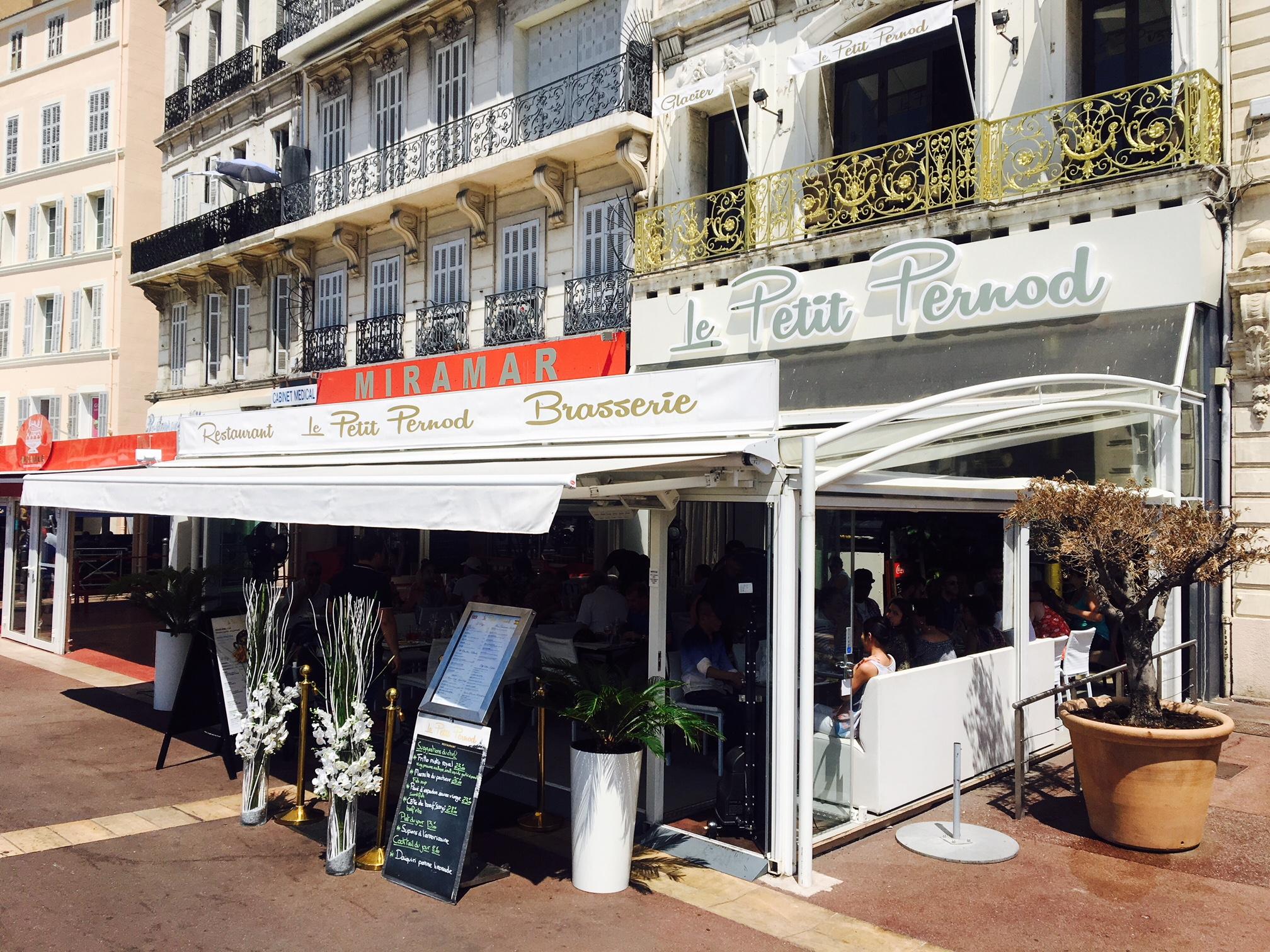 restaurant vieux port marseille le petit pernod spots