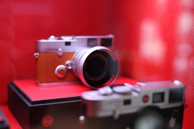 love-spots-leica-store-3